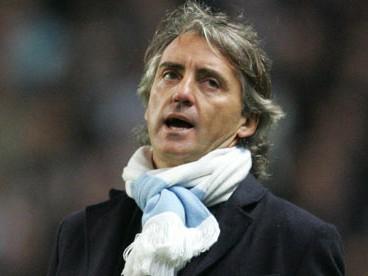 Man City thất bại, lỗi ở Mancini