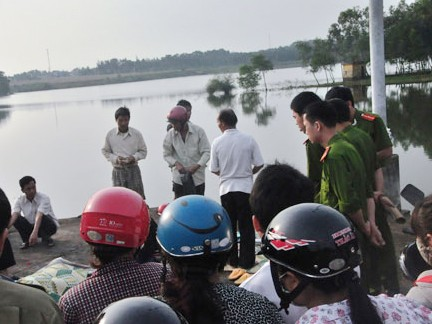 Vớt được thi thể sinh viên trên hồ