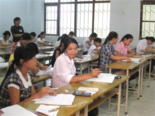 Thí sinh dự thi ĐH-CĐ năm 2010