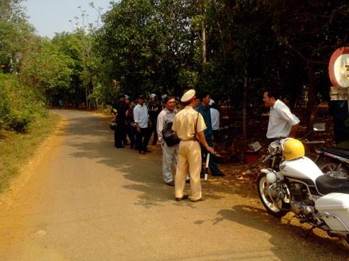 Hơn 100 cảnh sát, dân quân đã bao vây phong tỏa hiện trường không để người dân hiếu kỳ đến xem