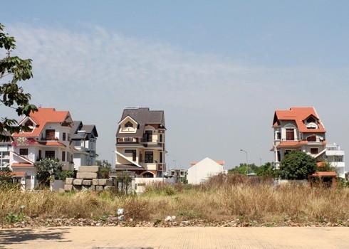 Doanh nghiệp địa ốc xin nộp thuế bằng đất