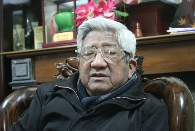 Ông Phạm Thế Duyệt trả lời phỏng vấn báo Tiền Phong. Ảnh: CN