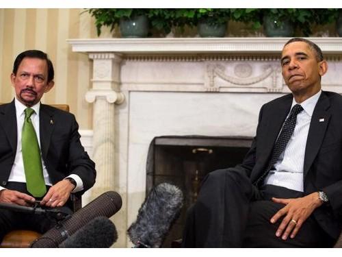 Tổng thống Obama và quốc vương Brunei Hassanal Bolkia tại phòng Bầu dục của Nhà Trắng