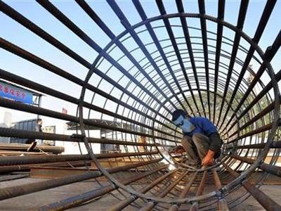 Trung Quốc siết chặt việc thuê người lao động hợp đồng