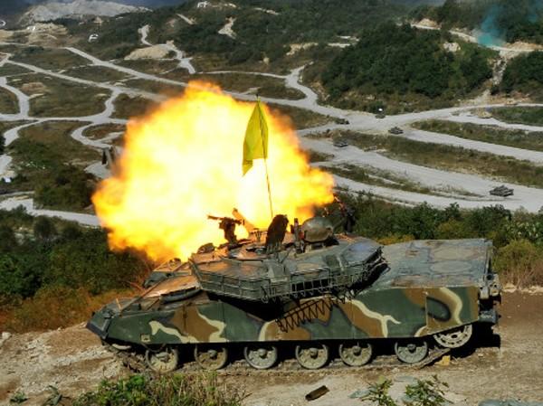 Bất chấp Triều Tiên đe dọa, Hàn Quốc tập trận gần biên giới