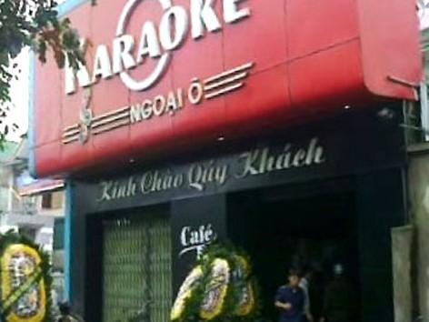 Bốn thanh niên hạ sát chủ quán karaoke ra đầu thú
