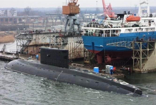 Nga cam kết giúp VN phát triển toàn diện hạm đội tàu ngầm