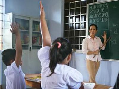 Thêm hai giáo viên cho Trường Sa