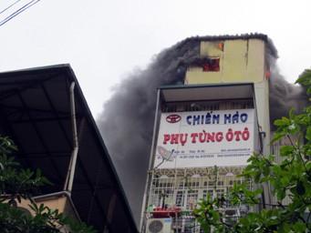 Hà Nội: Hoảng loạn vì cháy ở 'chợ trời'