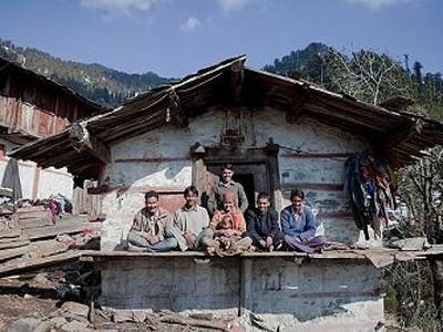 Ấn Độ: 5 anh em trai lấy chung … 1 vợ