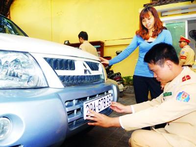 Bộ Công an vẫn quyết phạt 'xe không chính chủ'