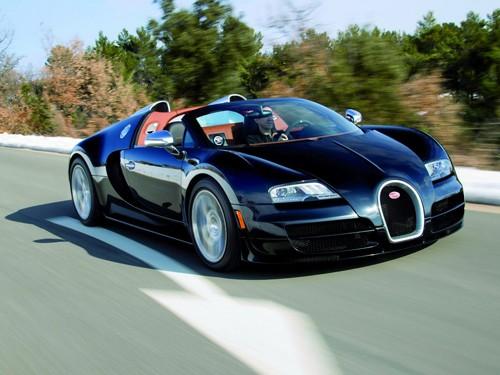 Siêu mui trần Bugatti Veyron Vitesse phô diễn sức mạnh