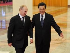 Chủ tịch Trung Quốc hội kiến Thủ tướng Nga Putin