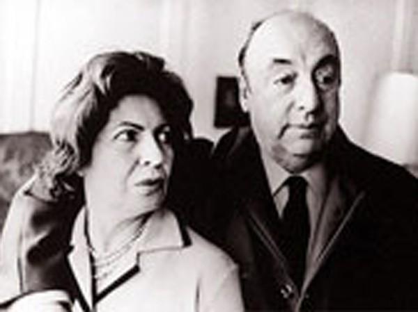Pablo Neruda và người vợ thứ 2 Delia del Carril