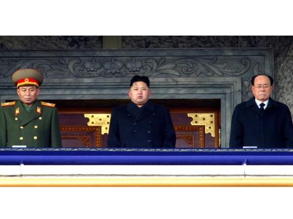 Đại tướng Kim Jong-un (giữa). Ảnh: Getty Images