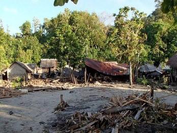Năm ngôi làng ven biển bị xóa sổ sau trận động đất và sóng thần ở Solomon