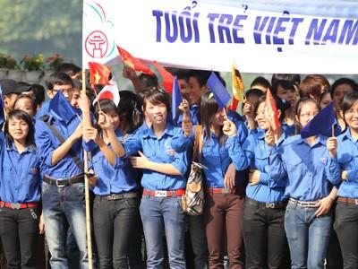 Thanh niên tình nguyện trong một sự kiện của Đại lễ 1.000 năm Thăng Long, Hà Nội. Ảnh : Xuân Phú
