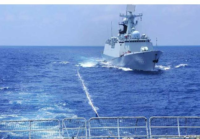 Hải quân Trung Quốc rầm rộ tập trận ở Biển Đông