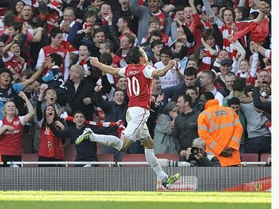 Arsenal ngược dòng đánh bại Tottenham