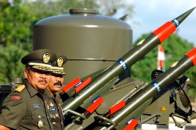 Indonesia ồ ạt mua khí tài quân sự