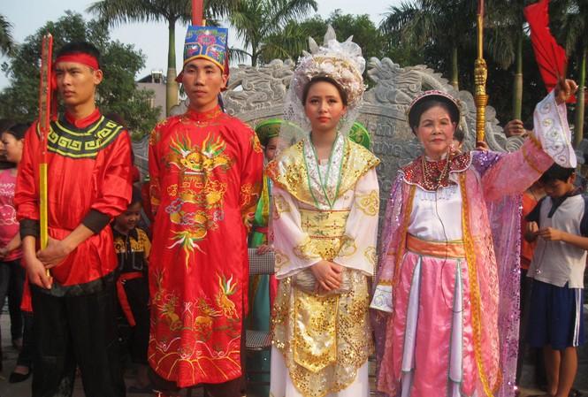 Độc đáo lễ hội kén rể cho nữ tướng Lê Hoa
