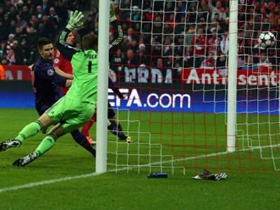 Arsenal chia tay Champions League trong nước mắt