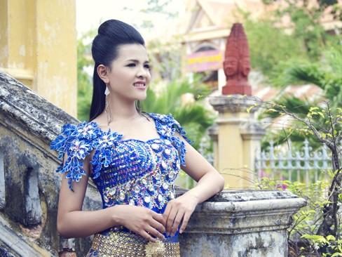 Ngắm nhan sắc của 'Á hậu các dân tộc' Sơn Thị Dura