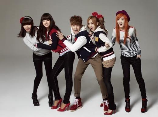 Miss A và Nickhun năng động với thời trang Edwin