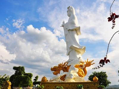 Tượng Phật xây không phép
