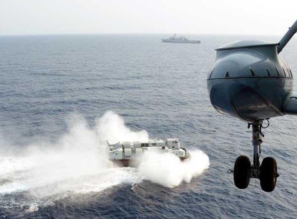Tàu chiến và phi cơ Trung Quốc hùng hổ tập trận ở Biển Đông