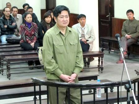 Bị cáo Nguyễn Đình Chiến đăm chiêu nghe toà tuyên án
