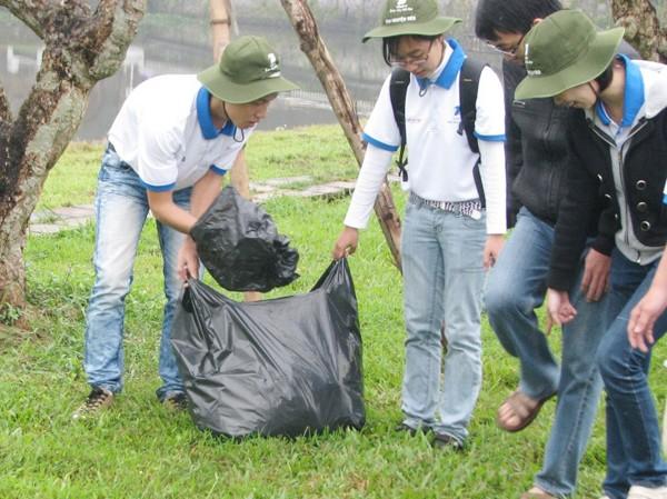 300 tình nguyện viên phục vụ Festival Huế