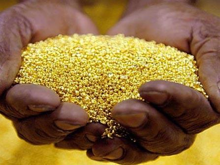 Vàng trong nước ngược dòng thế giới
