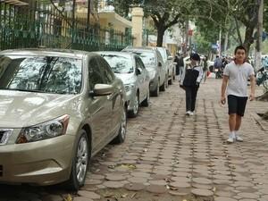 Hà Nội cần đầu tư xây điểm đỗ xe theo quy hoạch