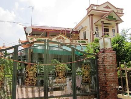 Ngôi biệt thự của vợ chồng Hùng - Cúc