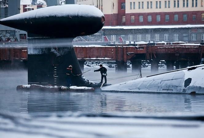 24h trên tàu ngầm hạt nhân Bryansk