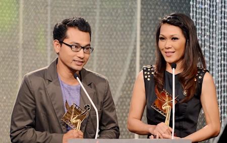 Huỳnh Đông và Đinh Y Nhung nhận giải Cánh diều vàng cho hạng mục Nam/nữ diễn viên chính xuất sắc nhất.