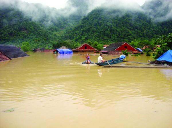 Nhiều vùng ngập chìm trong lũ