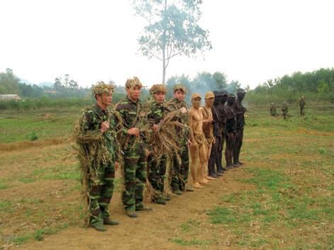Ảnh độc đặc công Việt Nam 'xuất quỷ nhập thần'