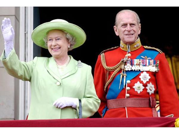 Nữ hoàng Anh và phu quân