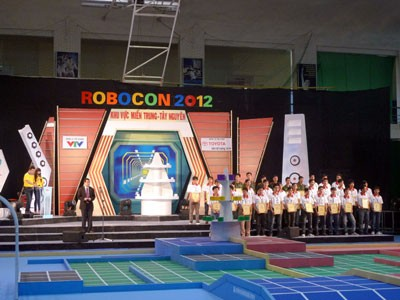 Vòng loại miền Trung mở màn mùa Robocon 2012