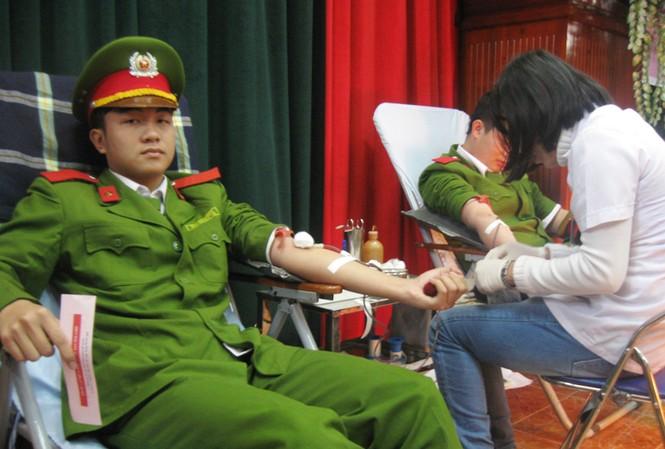 ĐVTN hiến gần 600 đơn vị máu