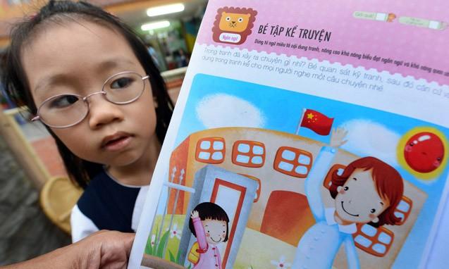 Sách in cờ Trung Quốc: Phải xử lý nghiêm trách nhiệm