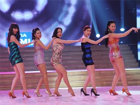 Mở màn Bước nhảy hoàn vũ:Thí sinhnữ nổi trội