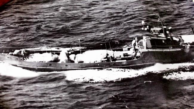 Một con tàu không số vận chuyển vũ khí vào Nam. Ảnh: Gia đình cung cấp.