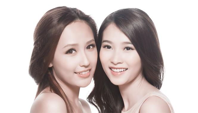 Vẻ đẹp rạng ngời của hai Hoa hậu.