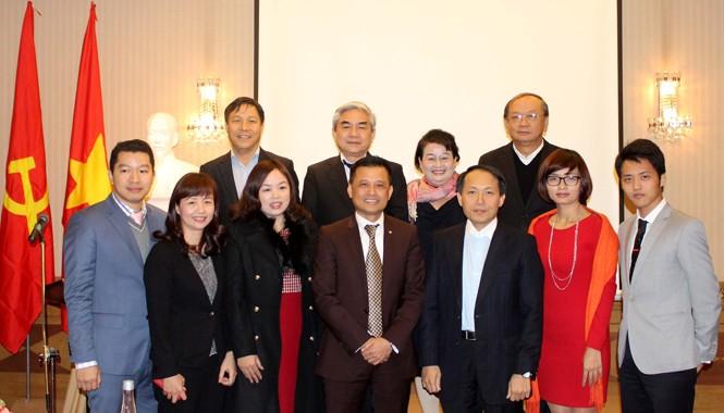 Lãnh đạo Bộ KH&CN, Bộ Kế hoạch và Đầu tư, Bộ Tài nguyên và Môi trường tham dự lễ ra mắt Quỹ  Khởi nghiệp doanh nghiệp khoa học công nghệ Việt Nam. Ảnh: Ngũ Hiệp.