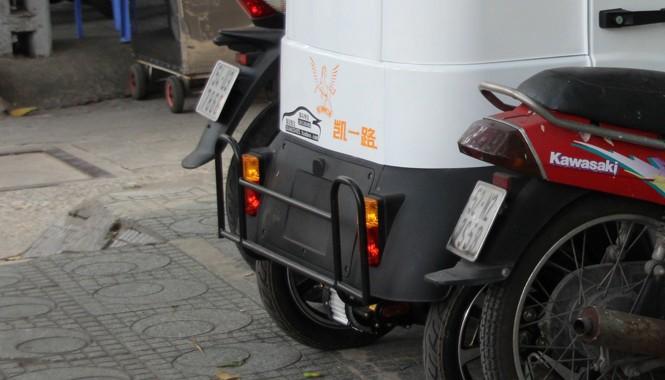 Hiện xe điện Trung Quốc chưa được cấp biển số trên đường phố sài gòn.