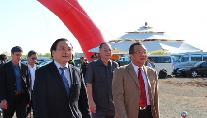 Phó Thủ tướng Hoàng Trung Hải tham dự lễ khởi công xây dựng sân bay Phan Thiết. Ảnh: AQ.