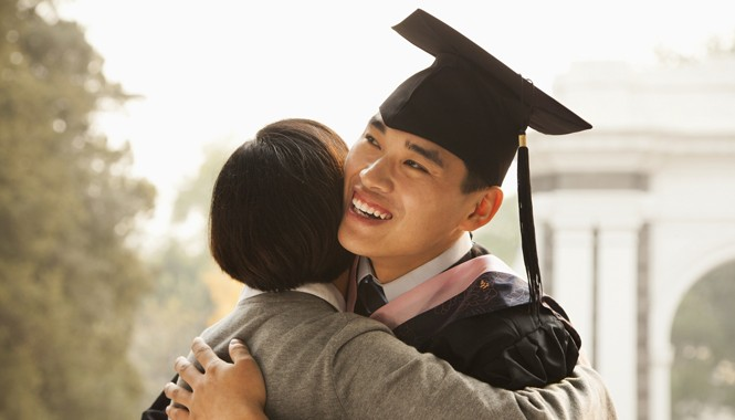 Lập kế hoạch tài chính cho con ngay từ nhỏ sẽ đảm bảo tương lai học hành vững chắc cho con.